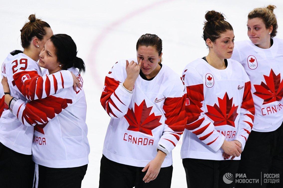 Спортсменки сборной Канады