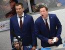 Главный тренер ХК Торпедо Петерис Скудра (справа) и тренер ХК Торпедо Игорь Матушкин