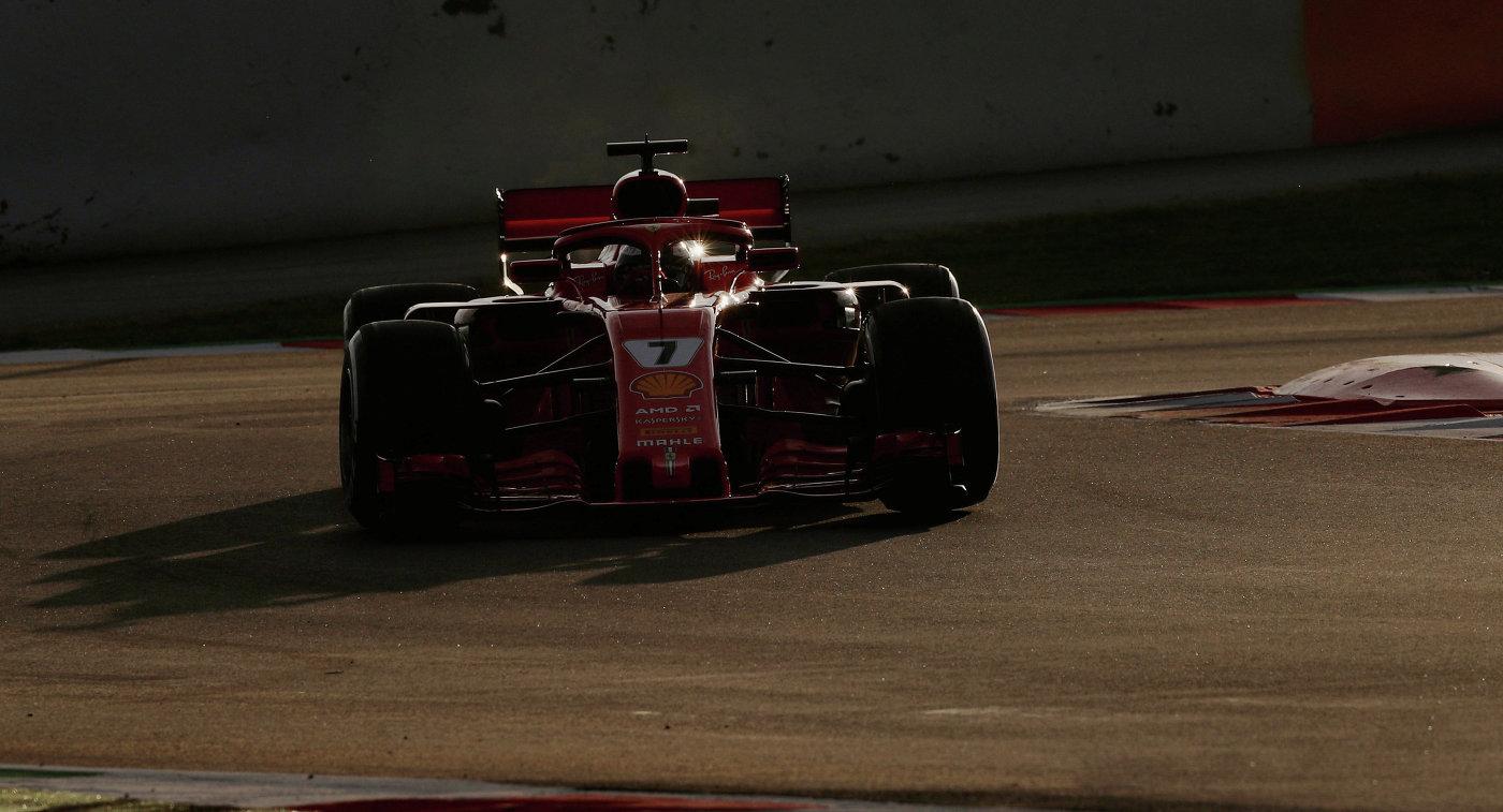 ВБарселоне закончился последний день тестов Формулы-1. Болид Алонсо снова сломался
