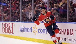 Нападающий клуба НХЛ Флорида Пантерз Евгений Дадонов