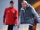 Хавбек Локомотива Алексей Миранчук (слева) и главный тренер ФК Локомотив Юрий Семин