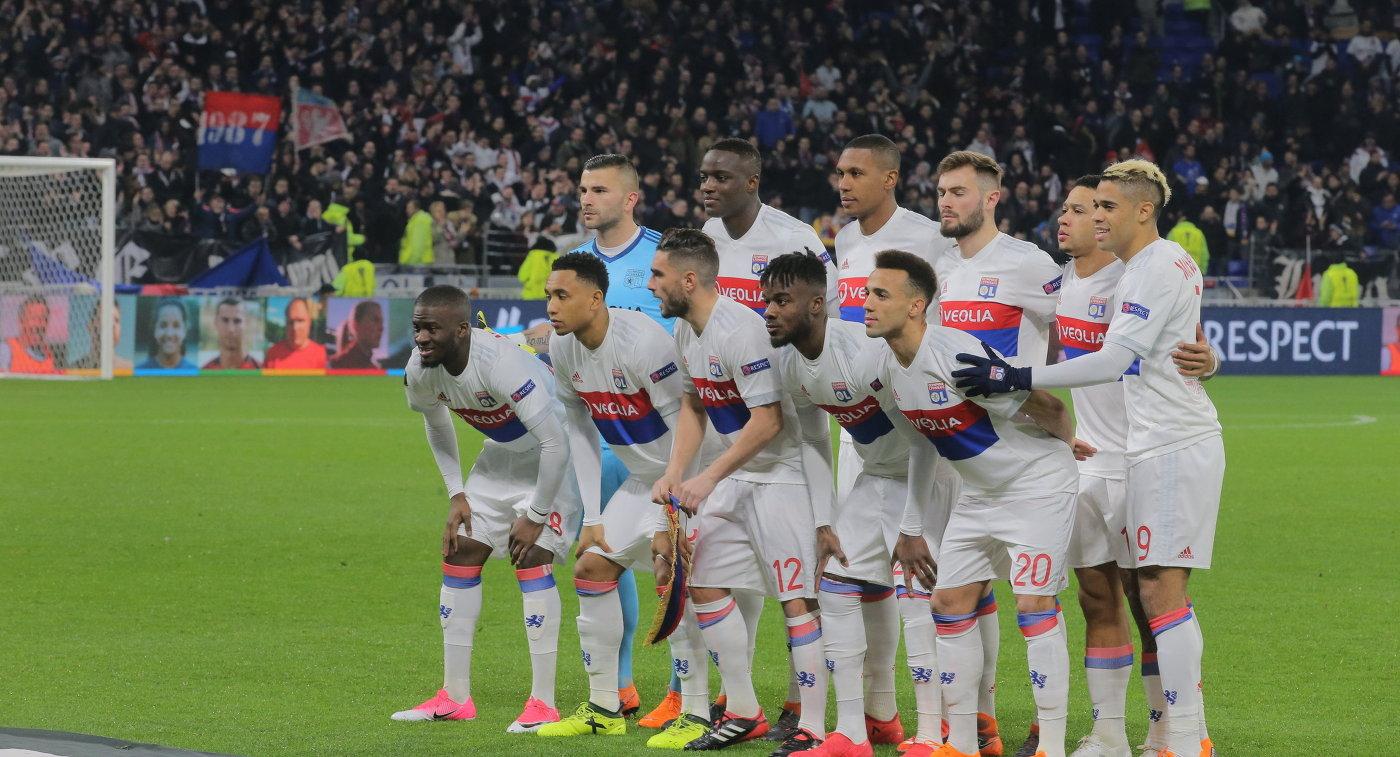 УЕФА открыл дело вотношении «Зенита» из-за поведения фанатов
