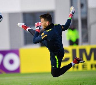 Вратарь сборной Бразилии Нето