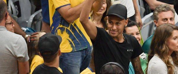 Форвард сборной Бразилии по футболу Неймар