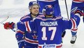 Игроки ХК СКА Илья Ковальчук (справа) и Вадим Шипачёв
