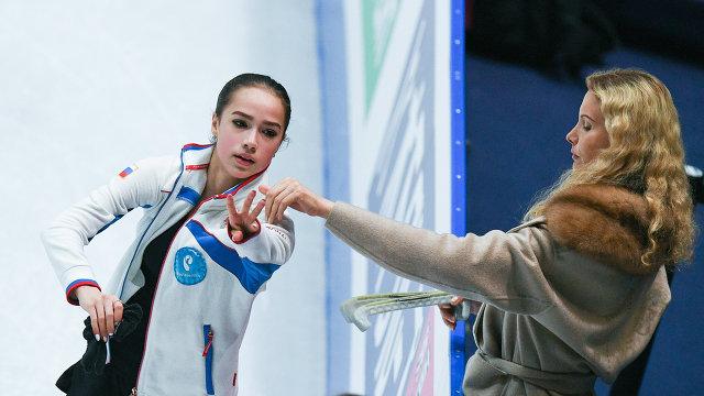 Алина Загитова и ее тренер Этери Тутберидзе