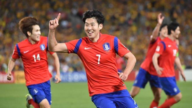 Нападающий сборной Южной Кореи Сон Хын Мин