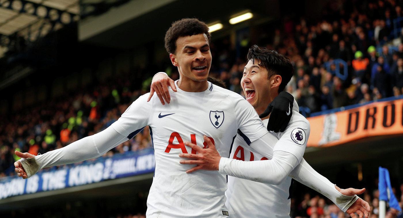 Футболисты Тоттенхэма Деле Алли (слева) и Сон Хын Мин