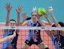 Игроки ЖВК Динамо-Казань Анна Котикова, Евгения Старцева и Ирина Королёва (слева направо)