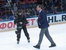 Главный тренер СКА Олег Знарок (справа)