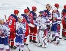 Хоккеисты ЦСКА и СКА после матча