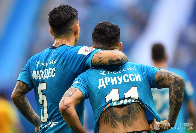 Футболисты Зенита Леандро Паредес (слева) и Себастьян Дриусси