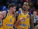 Баскетболисты Химок Егор Вяльцев (слева) и Малкольм Томас