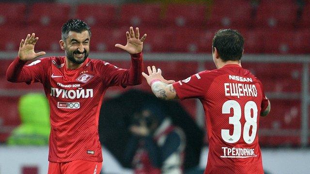Футболисты Спартака Александр Самедов (слева) и Андрей Ещенко