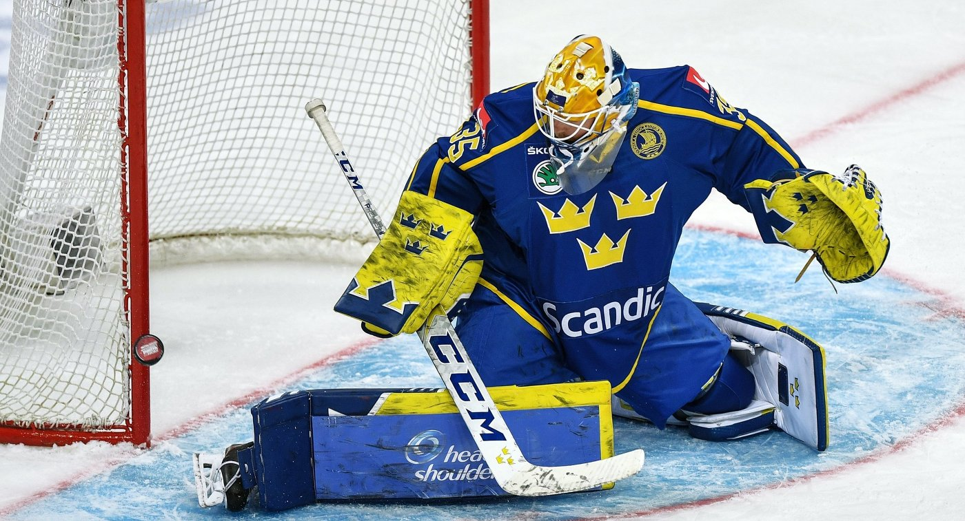 Чемпион мира шведский голкипер Хелльберг перешел в СКА