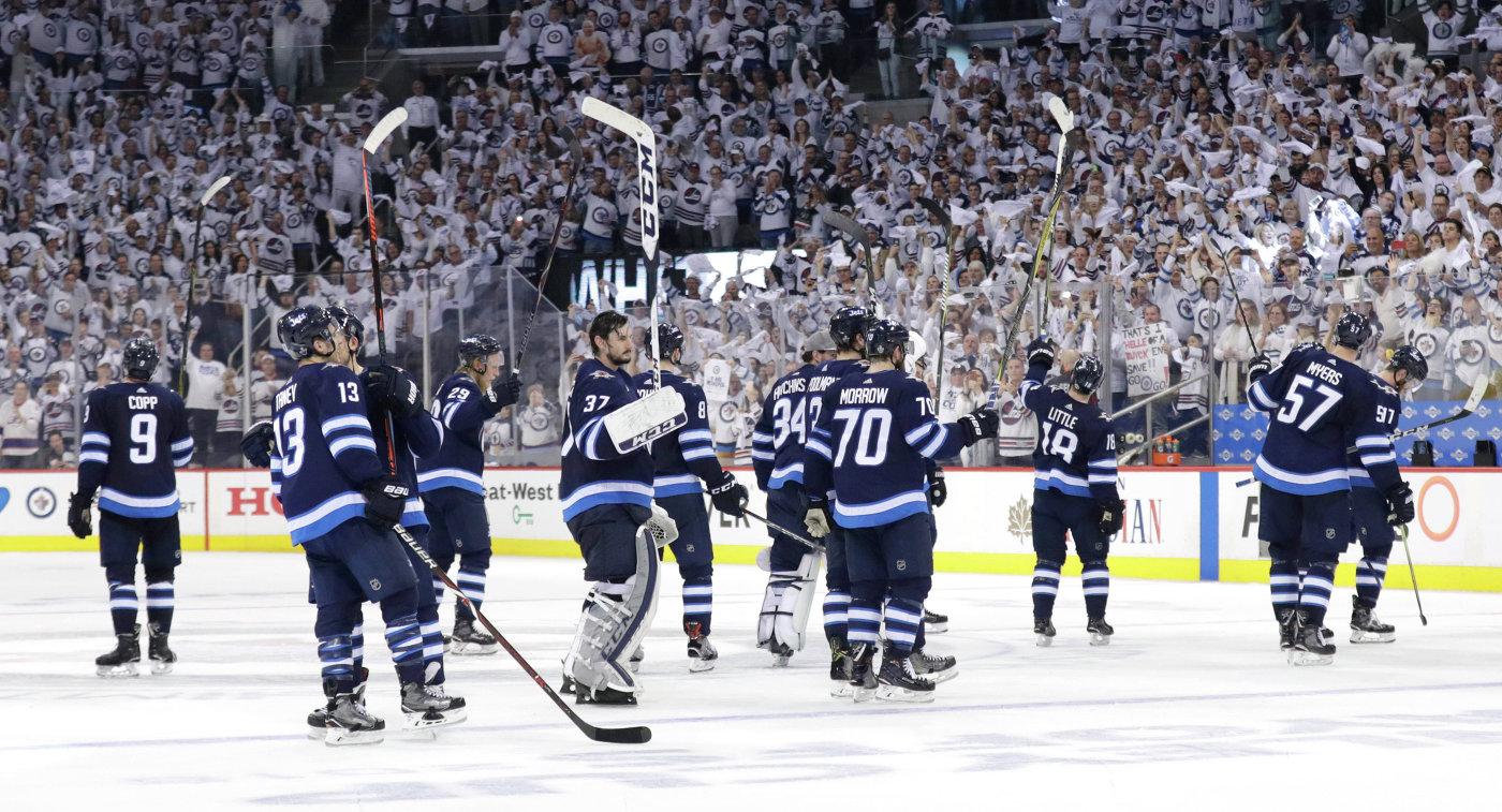 """«Виннипег разгромил """"Миннесоту"""" ивышел в ¼ финала плей-офф НХЛ»"""