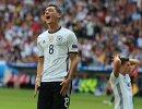 Полузащитник сборной Германии Месут Озил
