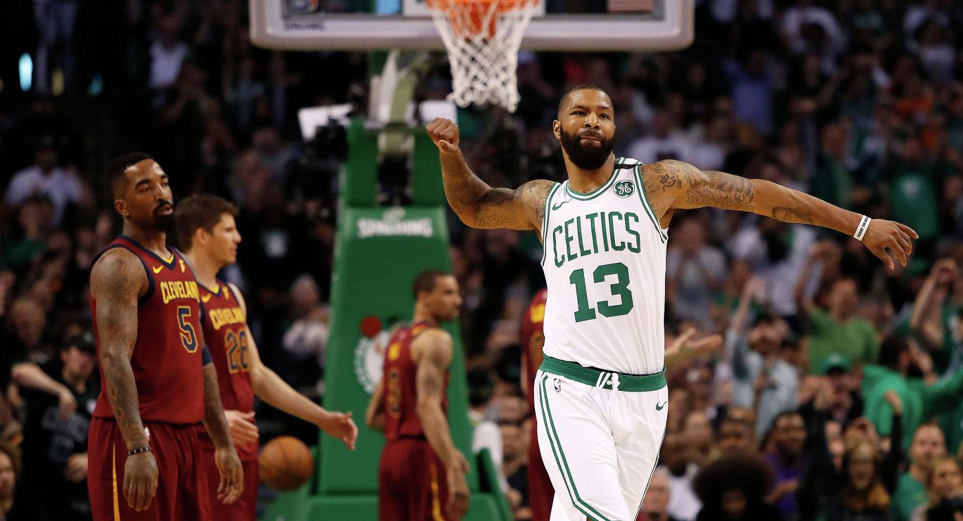 «Бостон» победил «Кливленд» впервом матче полуфинальной серии плей-офф НБА