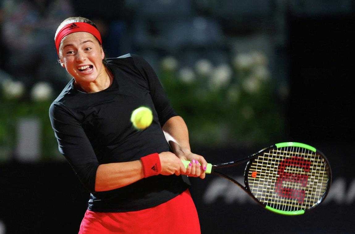 Латвийская теннисистка Остапенко вышла в третий круг турнира в Риме