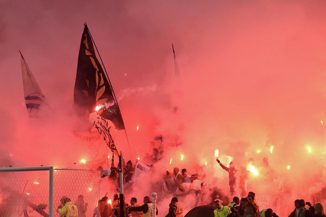 Болельщики во время финала Лиги Европы между Атлетико и Марселем в Лионе