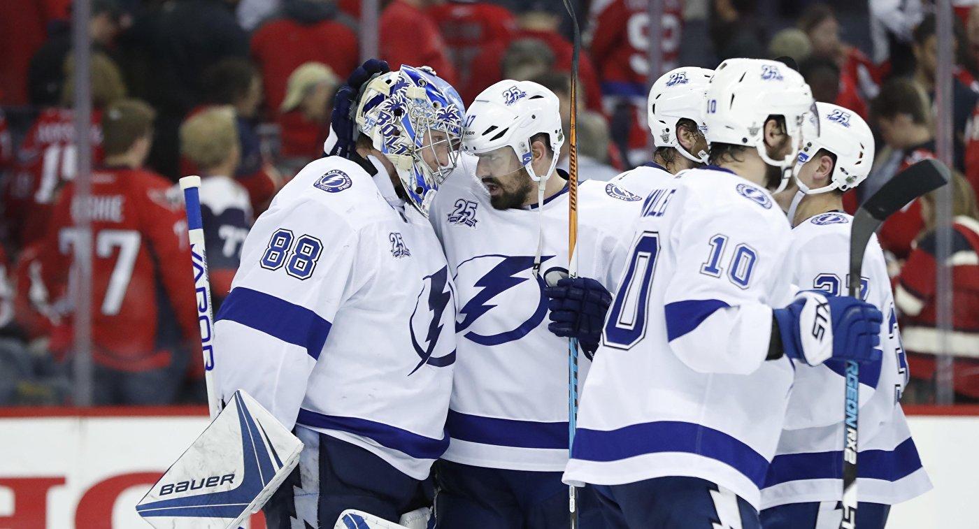 «Тампа» одолела «Вашингтон» вплей-офф НХЛ благодаря 36 сэйвам Василевского