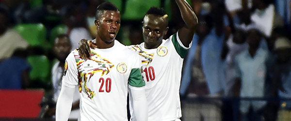 Игроки сборной Сенегала Бальде Кейта и Садьо Мане