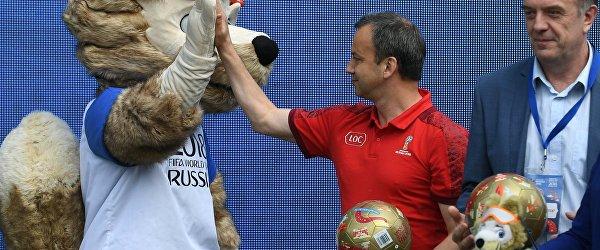 Аркадий Дворкович и Забивака на церемонии открытия Парка футбола в Санкт-Петербурге