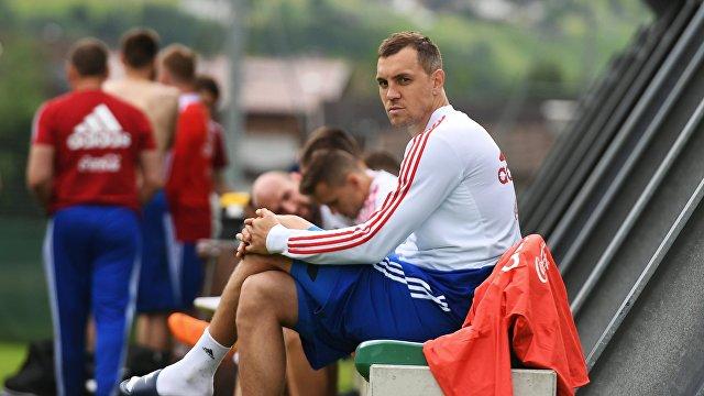 Игрок сборной России Артем Дзюба