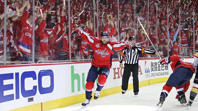 Нападающий клуб НХЛ Вашингтон Кэпиталз Евгений Кузнецов