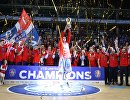 Баскетболисты ЦСКА после победы в финале плей-офф Единой лиги ВТБ