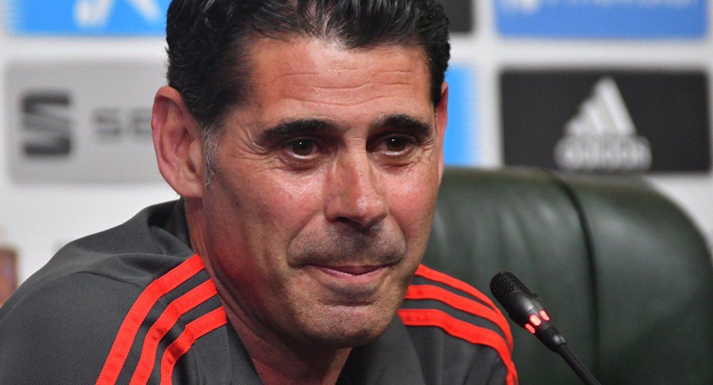 Главный тренер сборной Испании Фернандо Йерро