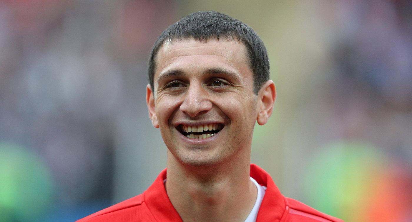 Хавбек сборной России Алан Дзагоев