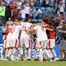 Футболисты сборной Сербии радуются победе