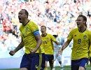 Футболисты сборной Швеции Андреас Гранквист и Альбин Экдаль (слева направо)