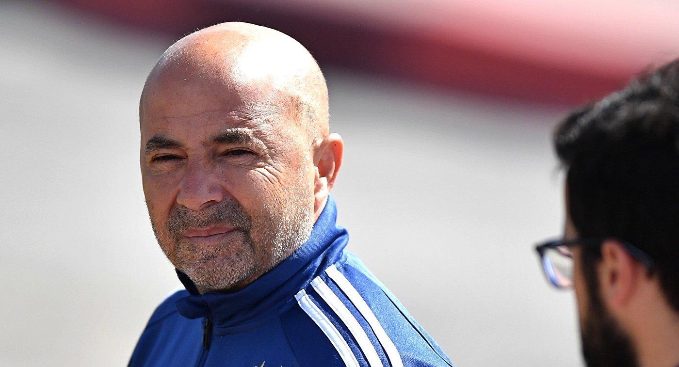 Главный тренер сборной Аргентины по футболу Хорхе Сампаоли (слева)