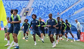 Футболисты сборной Бразилии на тренировке