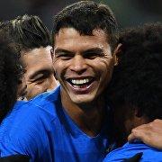 Защитник сборной Бразилии Тиаго Силва (в центре)