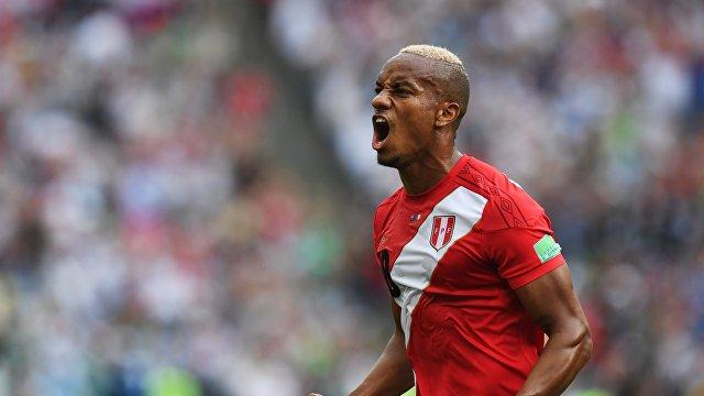 Перуанский полузащитник Андре Каррильо