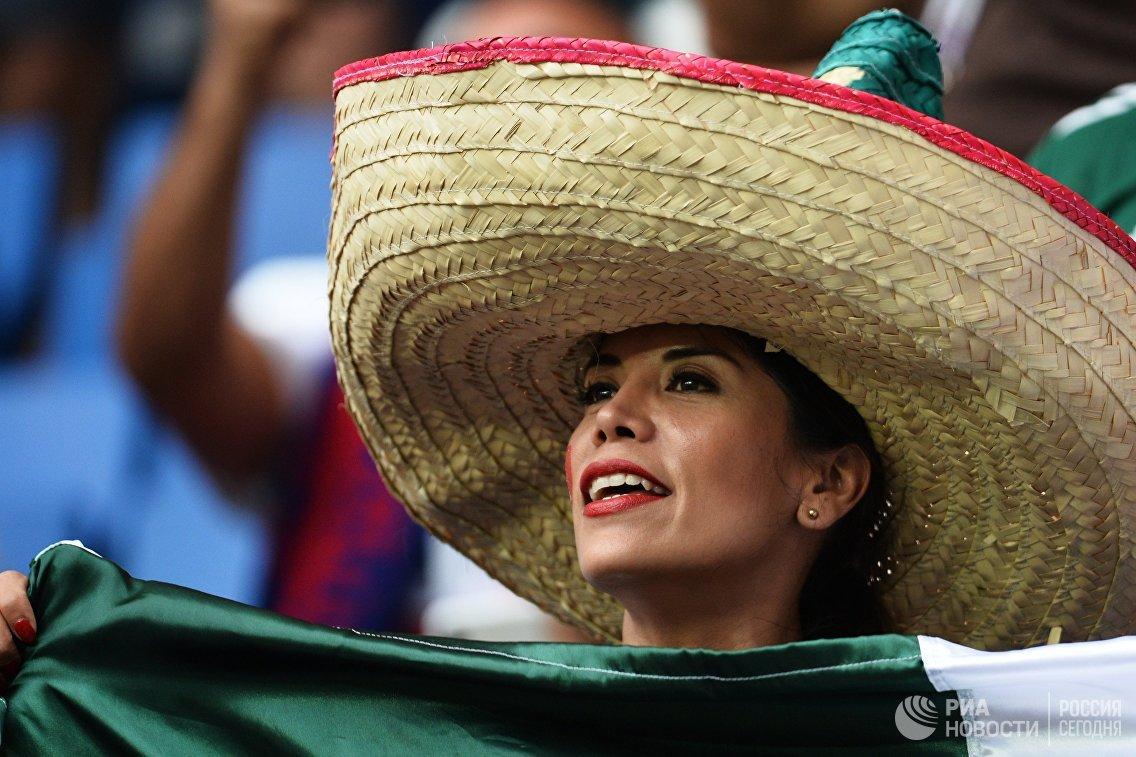 Болельщица сборной Мексики