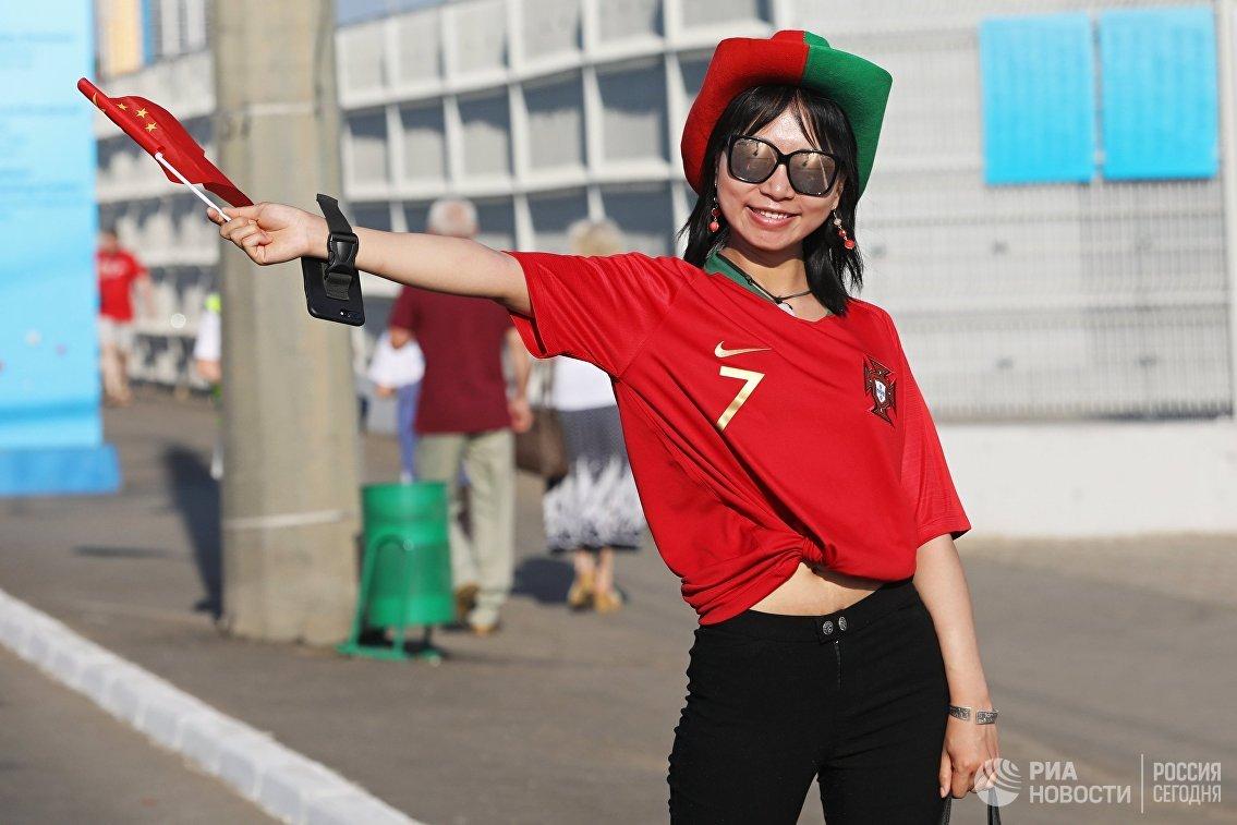 Болельщица перед матчем ЧМ-2018 между сборными Ирана и Португалии