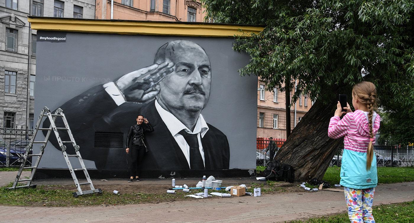 В Санкт-Петербурге перерисовали граффити с С. Черчесовым