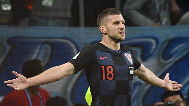 Форвард сборной Хорватии Анте Ребич радуется забитому мячу