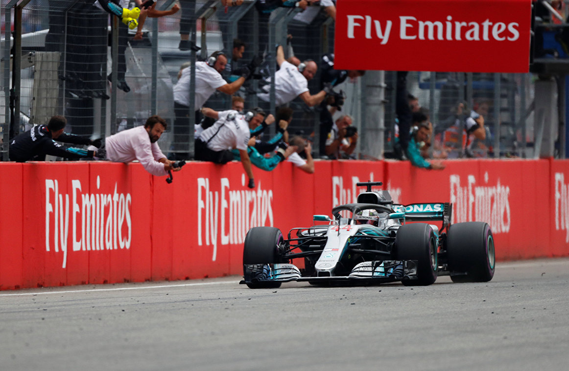 Хэмилтон выиграл Гран-при Германии, Феттель и Сироткин не финишировали
