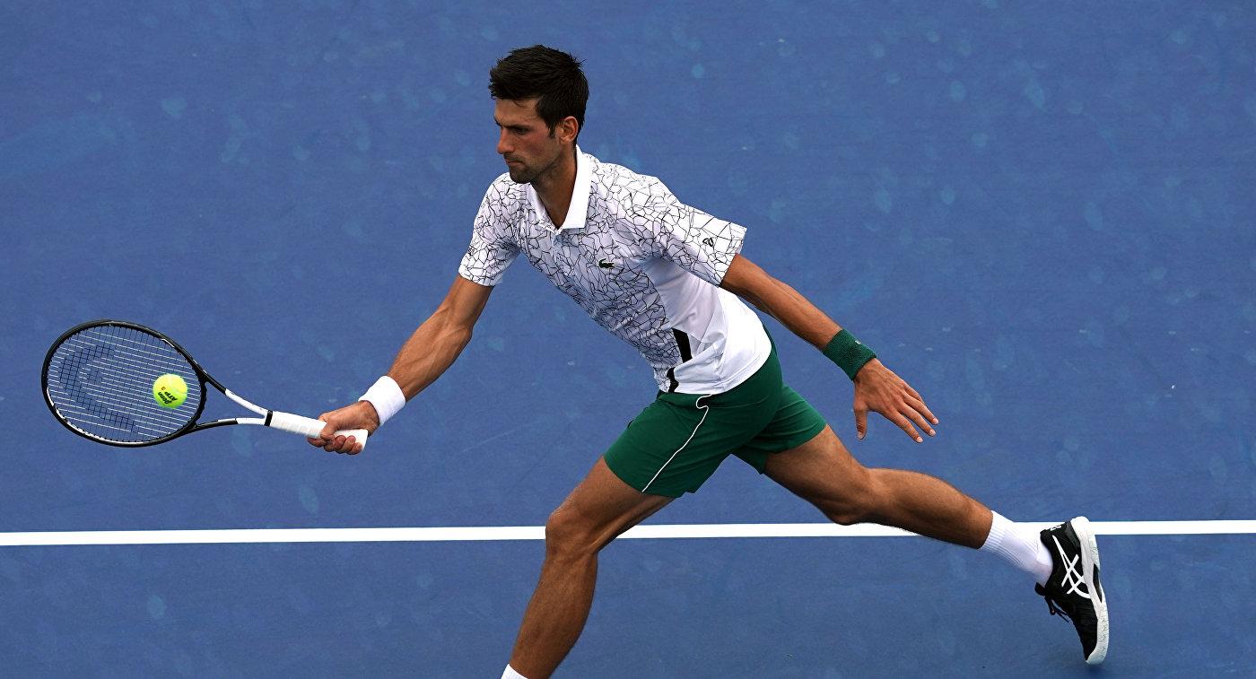Джокович выиграл третий матч в группе