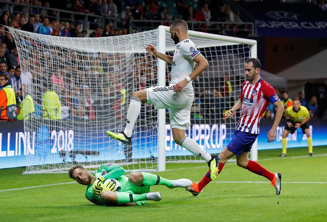 Игровой момент матча Реал - Атлетико