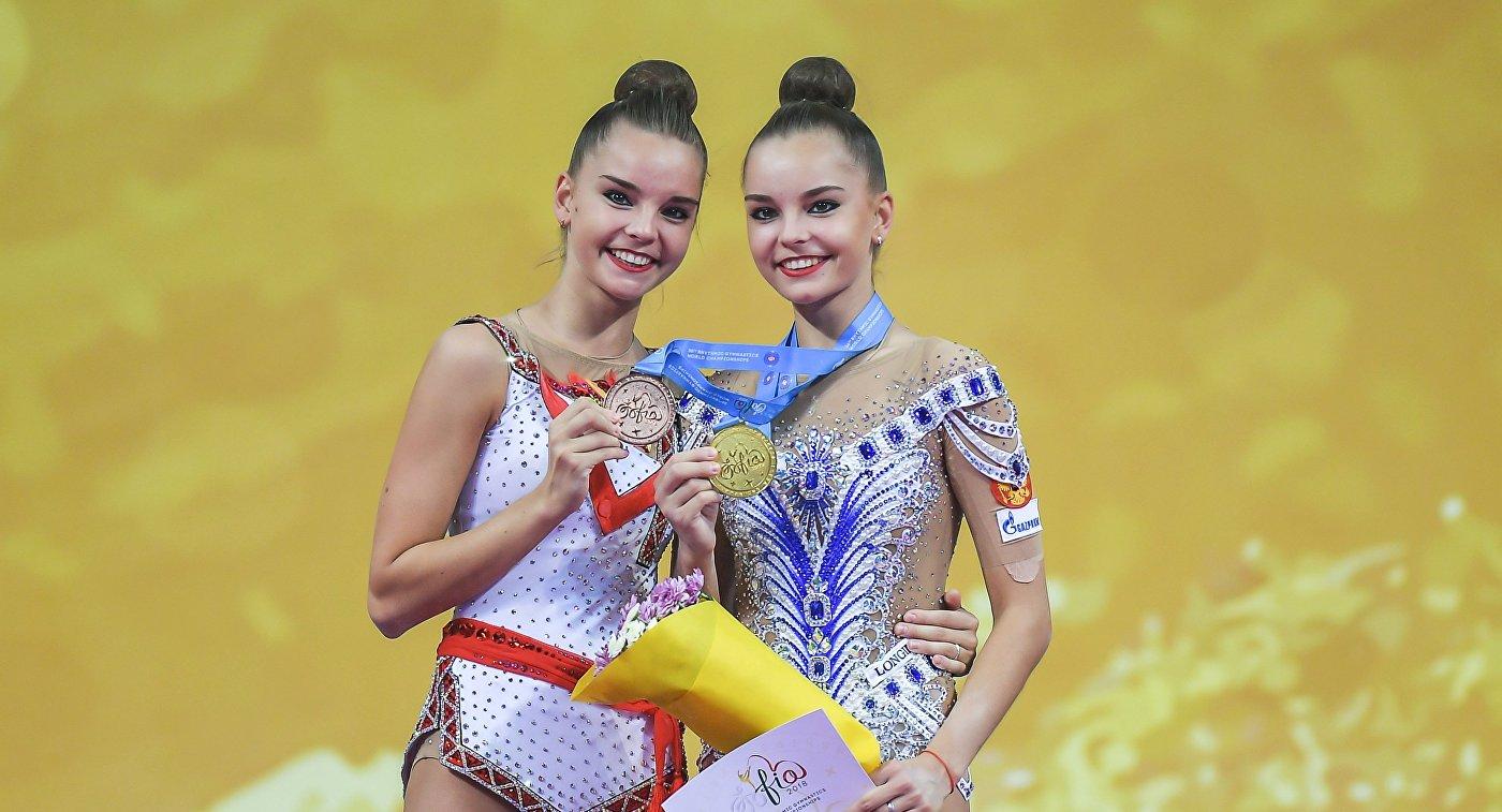 Дина Аверина  и Арина Аверина (слева направо)