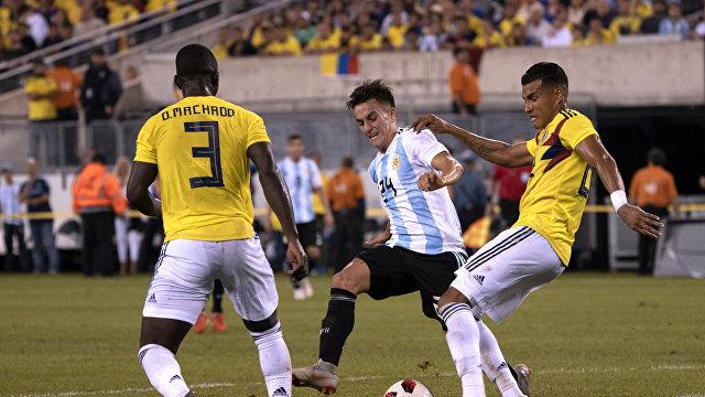 Игровой момент матча Аргентина - Колумбия
