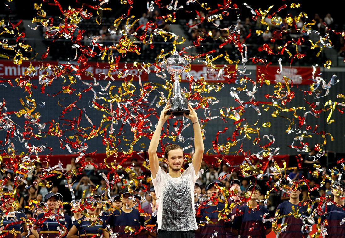 Камельзон: Медведев - герой, надо поздравить его со званием первой ракетки России