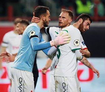 Футболисты Локомотива Маринато Гилерме, Бенедикт Хёведес и Соломон Кверквелия (слева направо)
