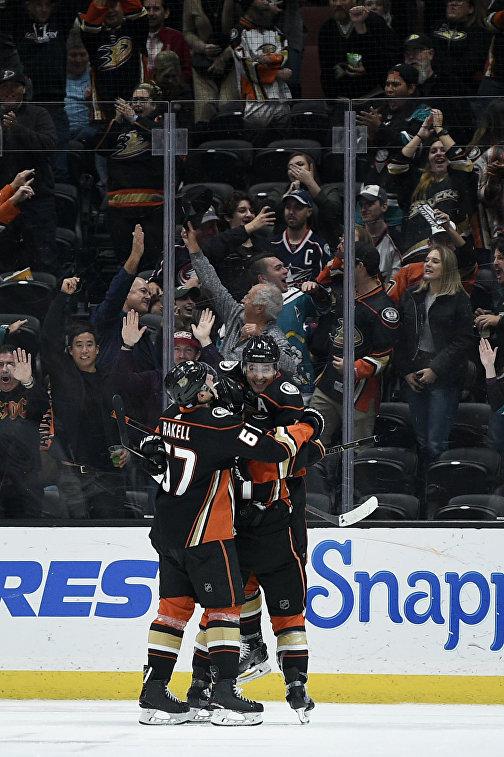 """""""Анахайм"""" прервал семиматчевую серию поражений в НХЛ, победив в """"Коламбус"""""""